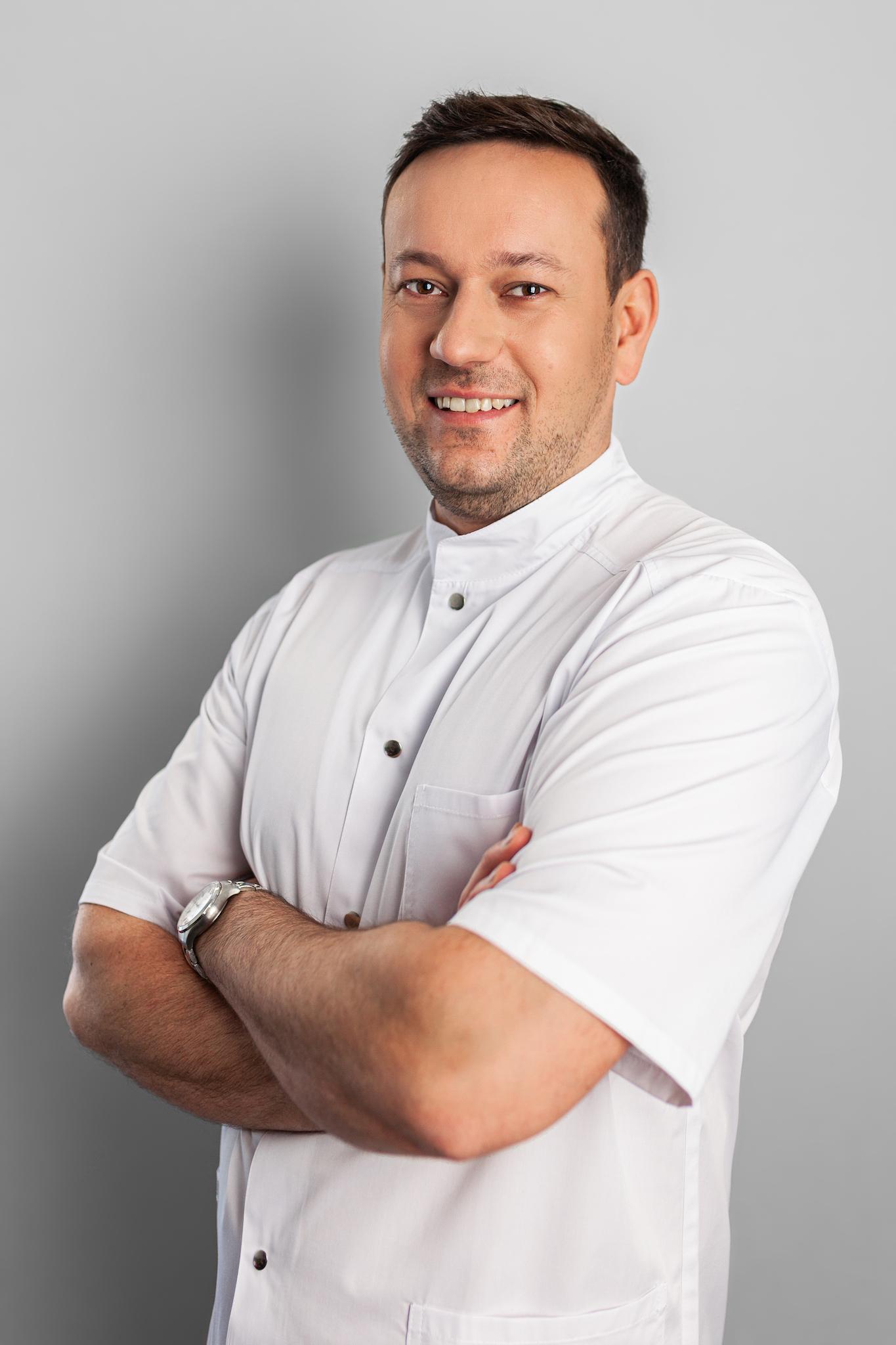 Dr Jacek Kłak
